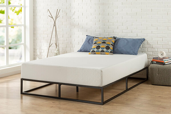 Zinus Modern Studio 10 Inch Platforma Low Profile Bed Frame / Mattress Foundation / Boxspring Optional / Wood slat support, Queen