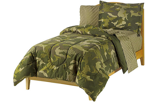 Dream Factory Geo Camo Army Boys Comforter Set