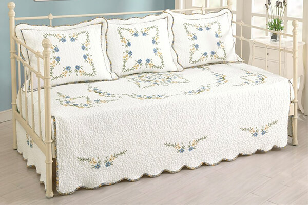 Modern Heirloom Collection, Heather Daybed Cover
