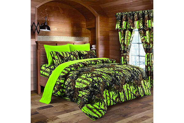 The Woods Lime Green Camouflage Comforter sets