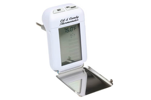 Maverick CT-03 digital oil and candy thermometer.