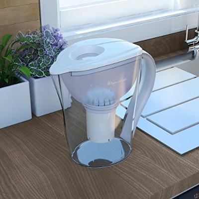 Top 7 Best Alkaline Water Pitchers – Health Product Reviews In 2018