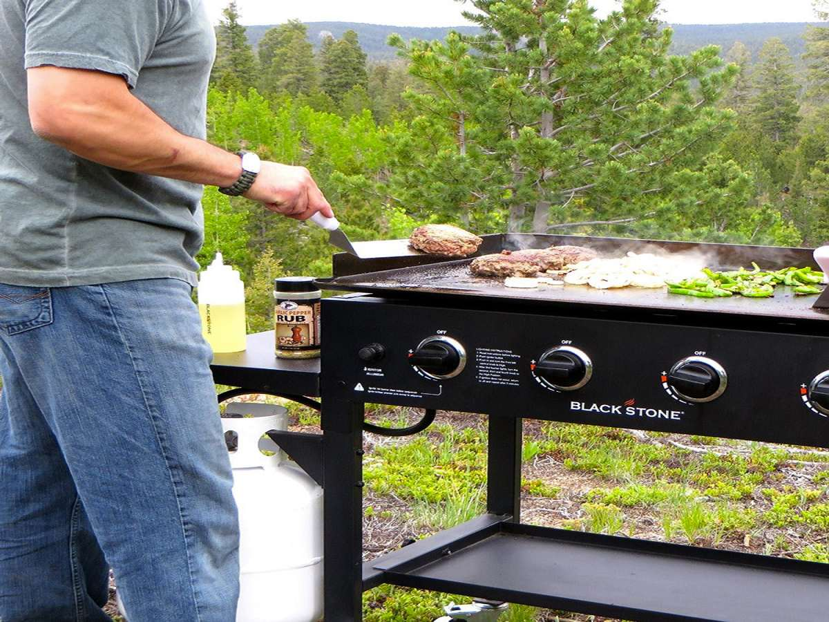 Top 10 Best Outdoor Griddles in 2018 Reviews